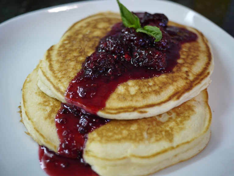pancakes with blackberry sauce
